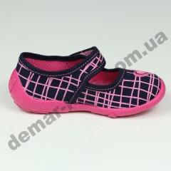 Детские тапочки Wiggami черно-розовые сердечки